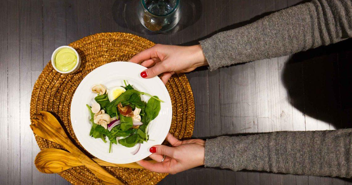 Spinach-Salad-with-Creamy-Avocado-Dressing_02